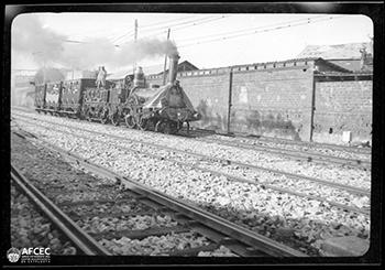 Réplica de la locomotora construida para conmemorar el 1º centenario del ferrocarril, 1948.