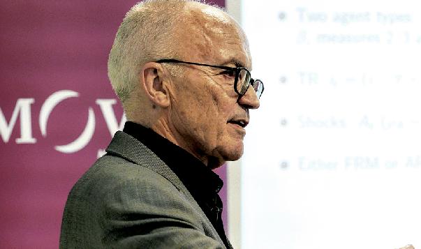 Entrevista al Premi Nobel d'Economia de 2004