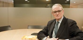 """Entrevista a <span style=""""color: #AEB100; font-weight: bold; text-transform"""">Antón Costas,</span> economista y expresidente del Círculo de Economía de Barcelona"""