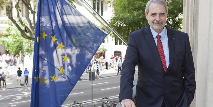 """Entrevista a <span style=""""color: #9D9C9C; font-weight: bold;"""">Ferran Tarradellas,</span> director de la Representación de la Comisión Europea en Barcelona"""